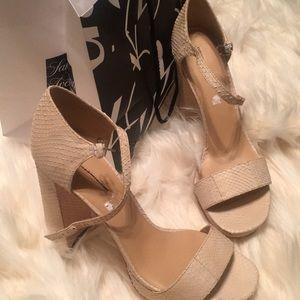 🦋Cream Pour La Victoire Chunky Heel Platforms 8.5